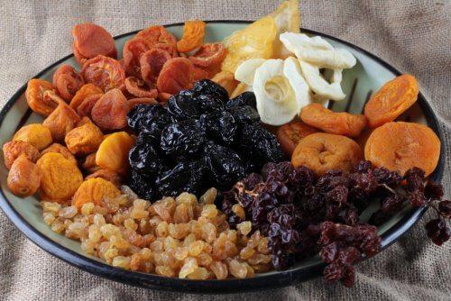 fruits-secs-et-fruits-deshydrates1-960x623-500x334